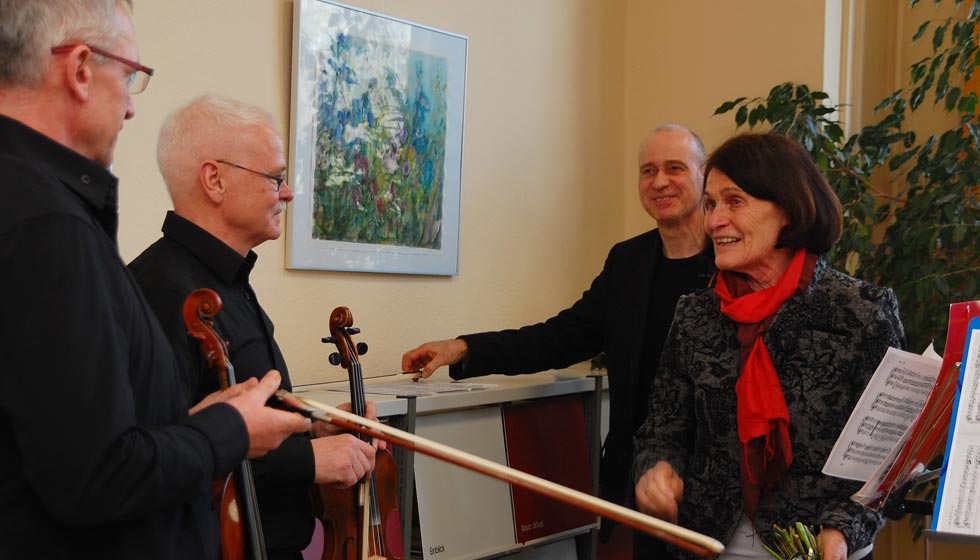 06-Uta Proft dankt den Mitgliedern des Sinfonieorchesters Magdeburger Musikfreunde e. V.