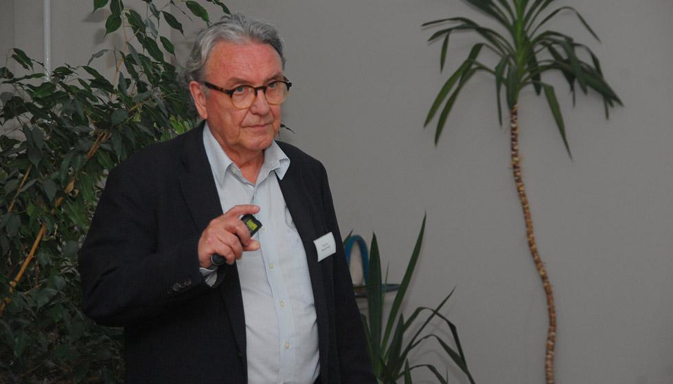 Prof. Heim teilte mit den Zuhörern Ergebnisse der Blutgruppen-Forschung